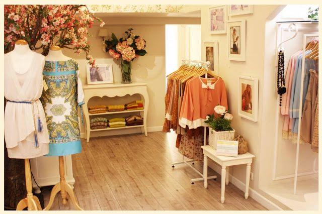 Loja vintage de roupa feminina tendência de decoração